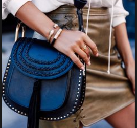 How to combine dark blue handbags-Bag Fashionista